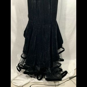 Mac Duggal Dresses - NWT Mac Duggal Off Shoulder Tiered Velvet Gown 0